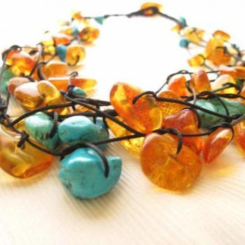 Amber & Turquoise Necklace / Baltic amber necklace / Turquoise Necklace / Natural Raw Stones / Raw Stone Jewelry / Emerald Teal Honey Yellow